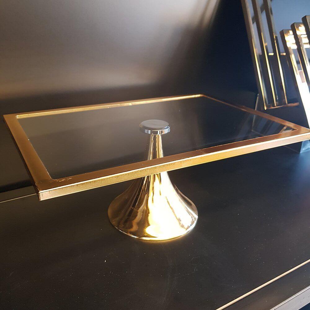Dikdörtgen Metal Ayaklı Cam Pasta Kek  Servis Sunum Standı 37cm Dekoratif Ürünler